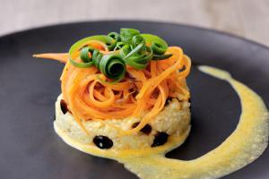 Klaus S. Food