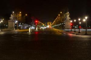 Blick vom Place de la concorde auf den Arc de Trioph